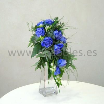 Ramo con caída de Rosas Azules