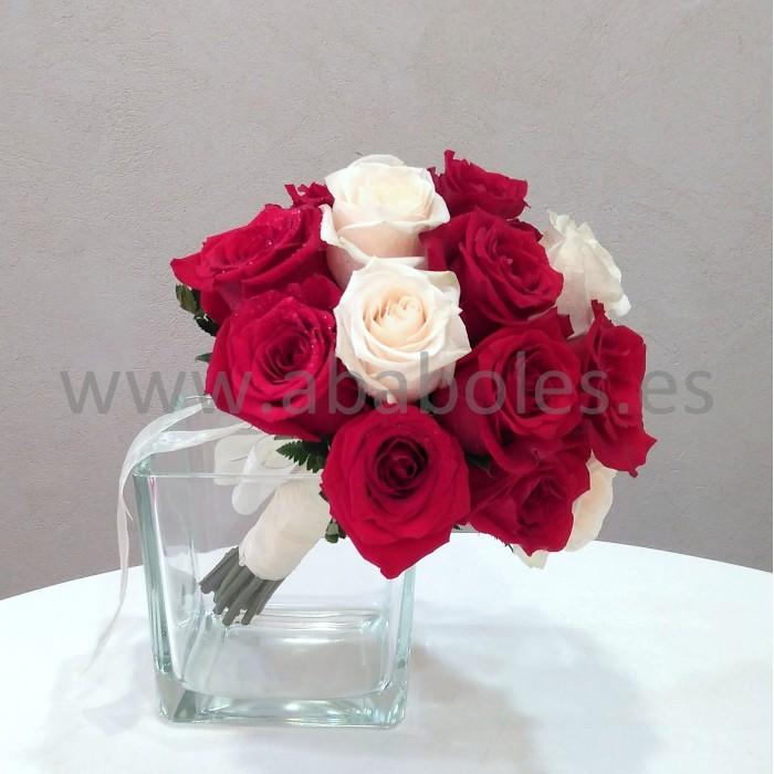 Ramo de Novia  de Rosas rojas y blancas