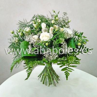 Ramo especial con Rosas blancas