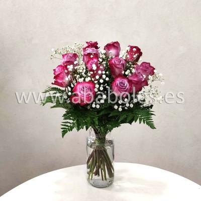 12 Rosas Fucsias de tallo corto