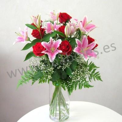 Ramo de Rosas Rojas y Lilium Rosa