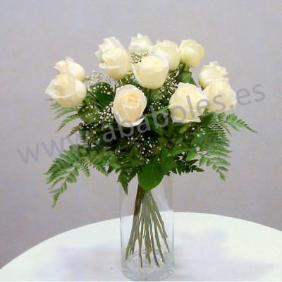12 Rosas Blancas de tallo corto