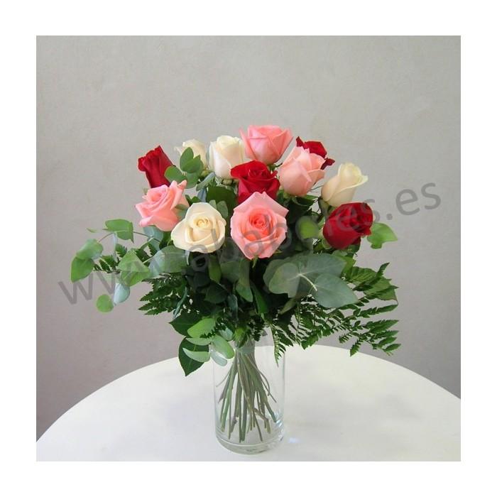 12 Rosas de 3 colores de tallo corto