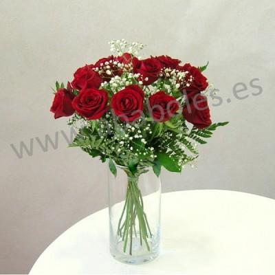 12 Rosas rojas de tallo corto