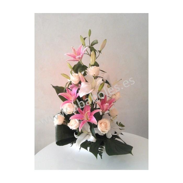 Centro decorativo de Rosas y Lilium
